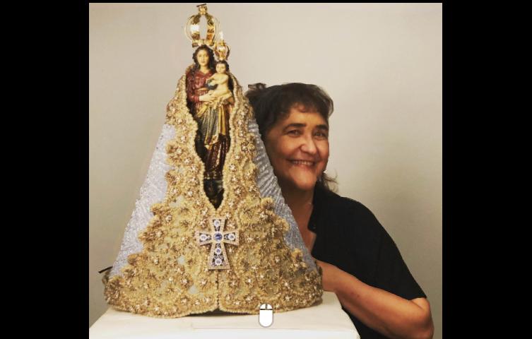 Walda Marques fotografa imagem de N. Sra. de Nazaré para cartaz do Círio 2021
