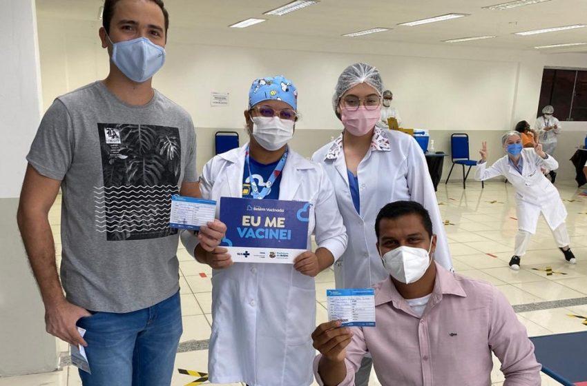 Jornalistas são vacinados contra Covid-19 em Belém